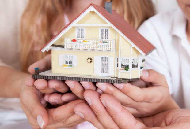 Помощь по жилищном вопросам