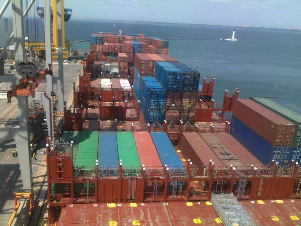 Таможенное оформление груза в порту