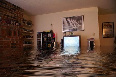 затопил сосед сверху