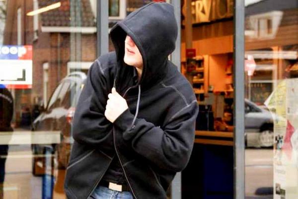 кража в магазине несовершеннолетним